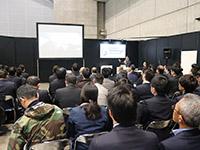 大盛況となった講演会。研削が担う可能性に参加者は、高い関心を示した