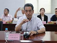 ワルタークラブを代表して挨拶する小泉副会長(コイズミツール社長)